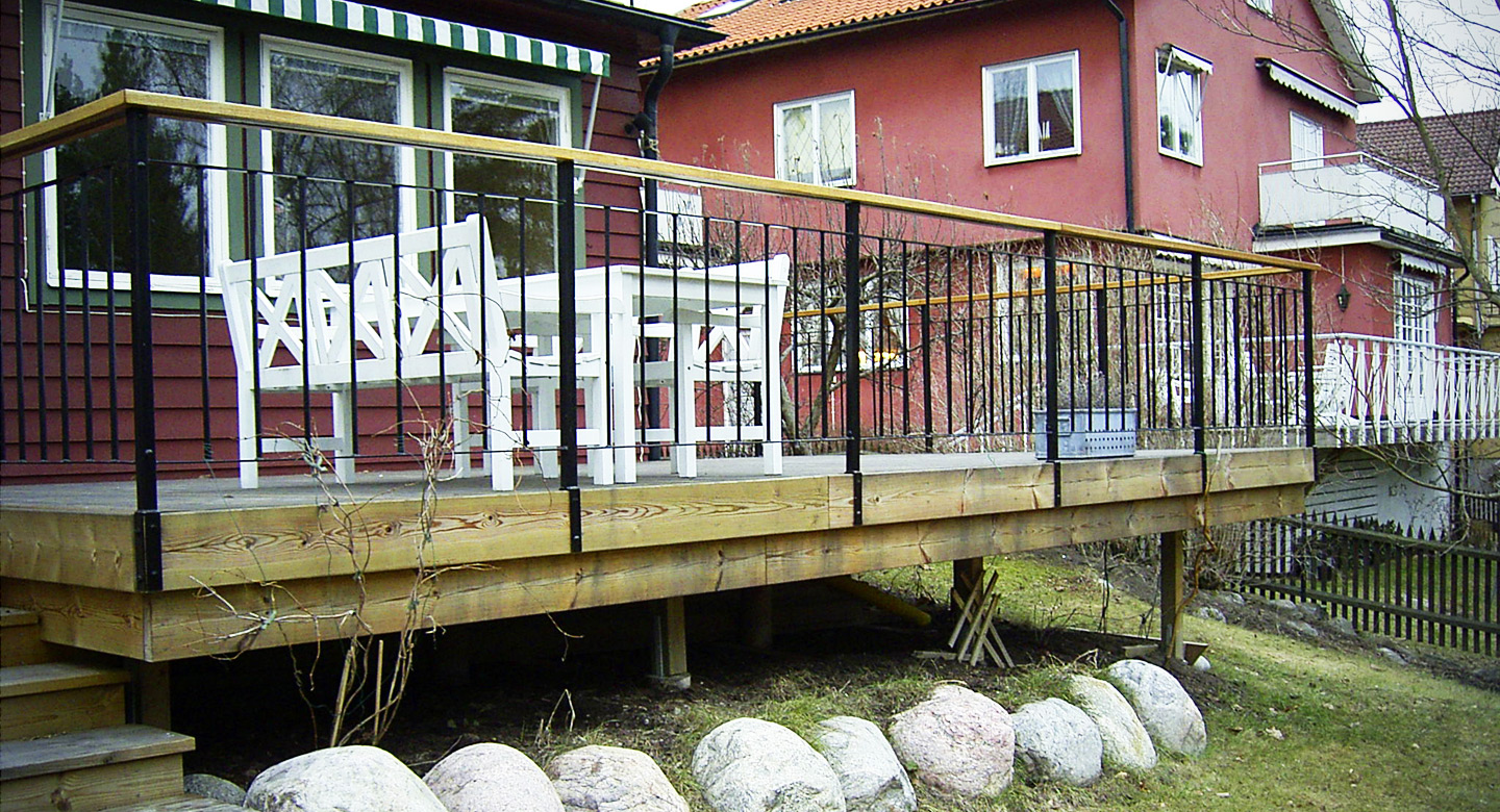 Veranda and iron fence
